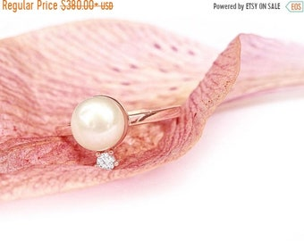 SALE Pearl & Diamond Minimal Gold Diamond Ring, Pearl Promise Rings, Pearl Engagement Ring, Stackable Multistone Rings, 14K Rose Gold Size 6