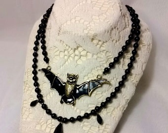 Die Fledermaus Necklace