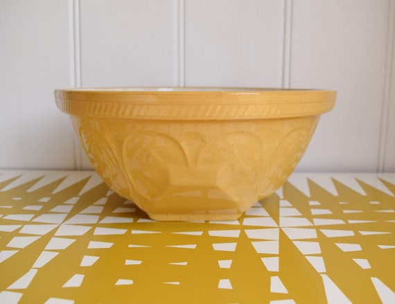 Classic Gripstand mixing bowl T G Green Church Gresley. Retro