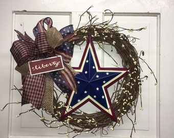 Farmhouse Star / Independence Day Decor / 4th of July Wreath / Red White & Blue Wreath /  Fourth of July Wreath / Americana Wreath