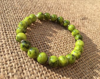 Lime-green marbled beaded bracelet