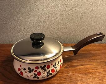 Sheffield Strawberries 'n Cream Sauce Pan Pot With Lid