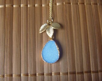 unique blue agate necklace