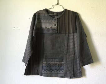 Vintage Blouse - Cotton Weave Fabric Tribal Horn Front Buttons