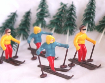 WiNTer SnoW Ski Couple- Cupcake Toppers-----parties--winter sports-4ct