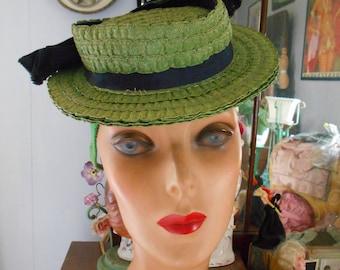 Cute 1940's Green Straw Tilt Hat