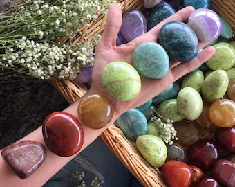chakra crystal set, crystal palmstone kit, crystal grid, smudge set, chakra crystals