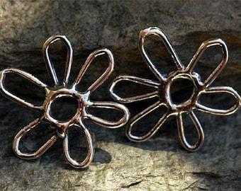 Artisan Plain Flower Link in Sterling Silver
