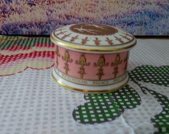 Vintage jewellery box, Buckingham palace rings box, Pink jewellery box, vintage ceramic jewellery box, vintage small jewellery box