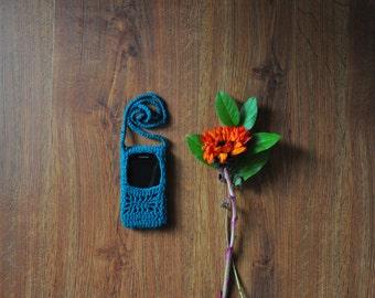 green crochet phone case / emerald smartphone bag / hand knit cell phone sleeve