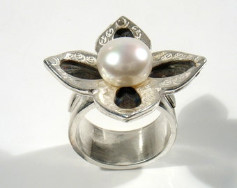 Sterling silver  cross flower set with 10mm white pearl- cocktail ring.