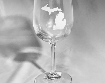 Set of 4 - Etched Stemmed Wine Glasses with choice of State