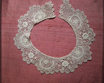 Antique French Handcrocheted Collar Lace - Vintage Fine Hadmade Trim Fashion from France