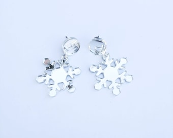 Silver mirror snowflake earrings - Christmas earrings - Acrylic earrings - lasercut studs