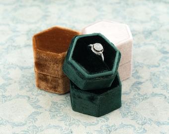 Velvet ring box - Hexagonal ring box - Wedding gift - Bronze - Powder - Lush Meadow