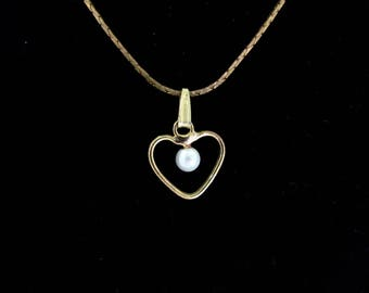 Vintage Pearl Heart Necklace, Dainty Petite charm pendant, White Pearl Goldtone Korea Box Snake Chain