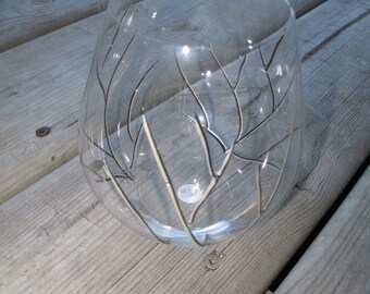"""Hand painted Riedel Wine Glass in design """"On The Vine"""""""