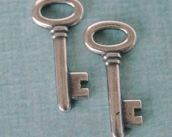 2 Silver Key Charms 928