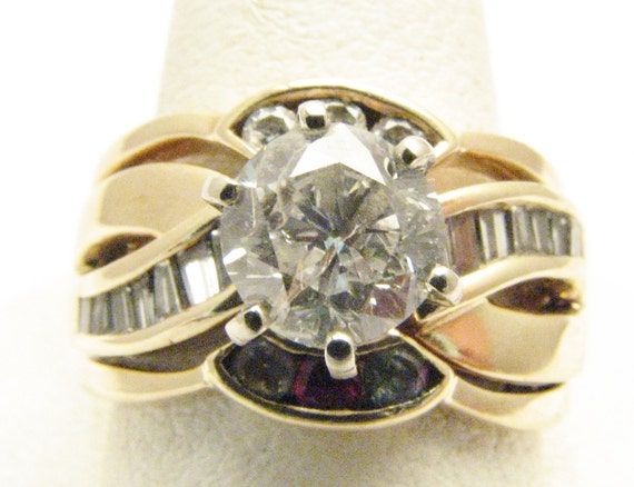 Vintage 1ct+ Diamond 14 kt gold Ring, 1 ct+ G VS1 center diamond, with diamond and ruby accent stones