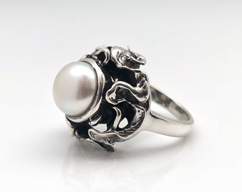 Pearl Ring // Oxidized Abstract Setting // Silver Pearl Ring // Sterling Silver // Size 8