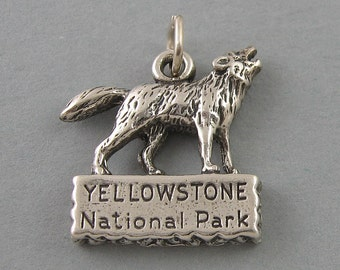 Sterling Silver 925 Charm Pendant YELLOWSTONE PARK WOLF 1673