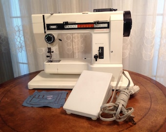 Pfaff Sewing Machine, Hobbylok 807, W/ FREE SHIPPING