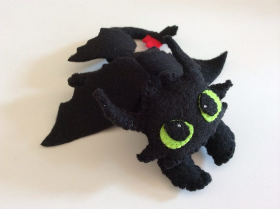 Amigurumi Toothless : Felt toothless plushie sewing pattern tutorial from issyandsofi