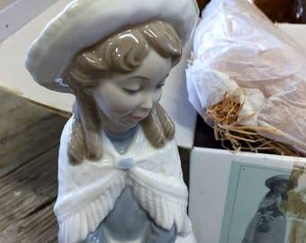 Lladro Nao Figurine #355
