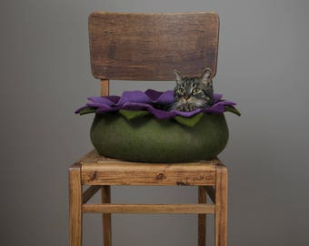 Cat bed/cat house/cat cave/purple lotus felted cat bed