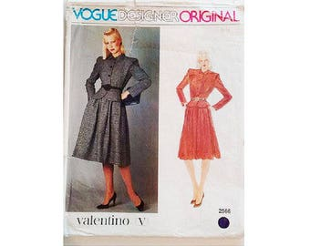 """UNCUT Vintage Vogue Paris Original #2566 Valentino Crop Fitted Jacket and Full Skirt Suit Sewing Pattern Size Bust 34"""" UK 12"""