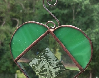 Green Heart with glue chip bevel center Suncatcher