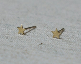 10K Gold Tiny Star stud earrings, solid Gold, 10k real Gold - TG051