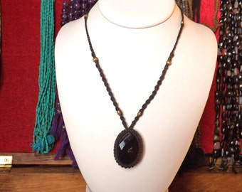 Onyx necklace macrame