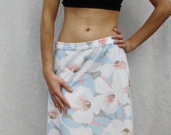 Floral print skirt Cotton skirt Blooming print skirt Womens mini skirt Summer flower skirt Light blue white skirt Midi casual skirt size M