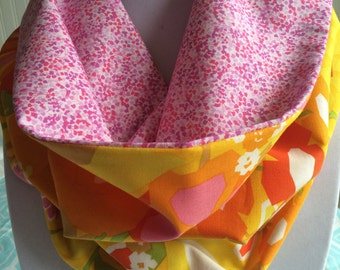 Reversible Cotton Cowl in Retro Print in Orange, Yellow and Pink