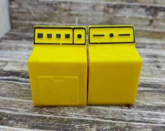Fisher Price Washer and Dryer Appliances  1972  Toy Dollhouse  hard plastic Yellow