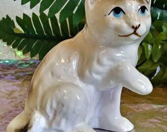 Vintage Ceramic Porcelain cat kitty kitten Figurine