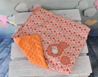 Plaid pattern triangle baby blanket