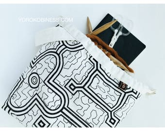 Shipibo Project Bag For Knitters And Crocheters | Geometric Shipibo Textiles From Peru | Black And Ivory