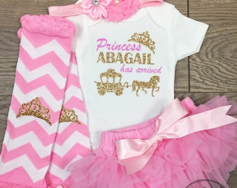 Newborn Girl Coming Home Outfit Baby Girl Outfit Princess Has Arrived Take home set Personalized Baby Girl Outfit Hello World Bringing home