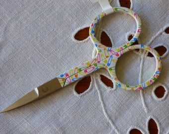 Chisel Pony pattern safety pin