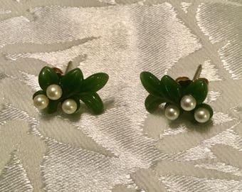 Green Leaf Pierced Earrings