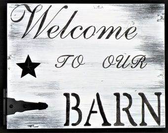 White Washed Rustic Barn Wood Style Farm Sign, Welcome To Our Barn Distressed Black and White Farmhouse Quote Sign, Barn Hinge Rooster Sign
