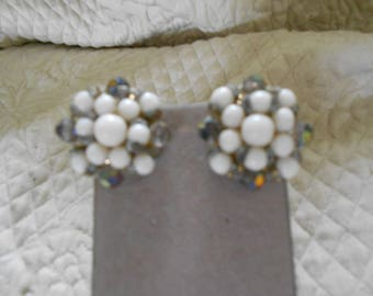 Vintage 50's Clip-on Earrings/White-Aurora Borealis Round Earrings