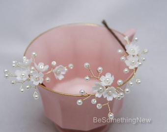 Wedding Hair Pins of Flowers and Pearls Bridal Bobby Set of Three, Beaded Flower Hair Jewelry, Beaded Babies Breath Headpiece