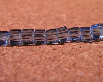 glass crystal square of 3 mm blue - PE277 45 beads