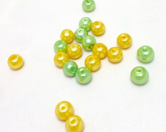 20 round glass pearls - assortment of gold and green beads - 8 mm