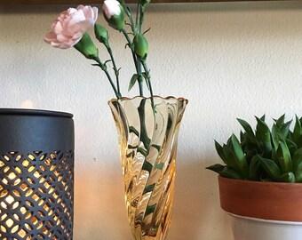 Vintage swirled blush peach pink glass vase