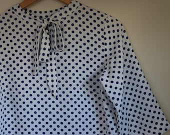 polkadots and pussy bow...ladies autumn or spring blouse in vintage crepe