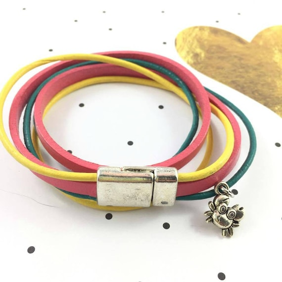 Leather, magnetic, magnet, bracelet, yellow, pink, turquoise, crab charm, choker necklace, magnet, les perles rares